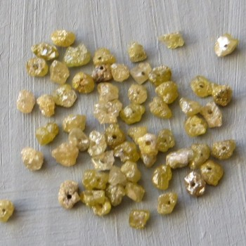 Diamond Antique Gold, raw drilled, approx. 2-2.2 mm- 1 pc
