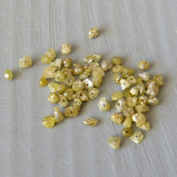 Diamant Antik Gold raw, drilled, approx