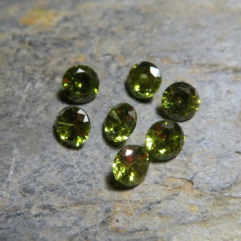 Cubic zirconia olive green, 4mm - 1pc
